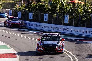 Tassi 11., Michelisz kiesett a második futamon a WTCR portugál hétvégéjén