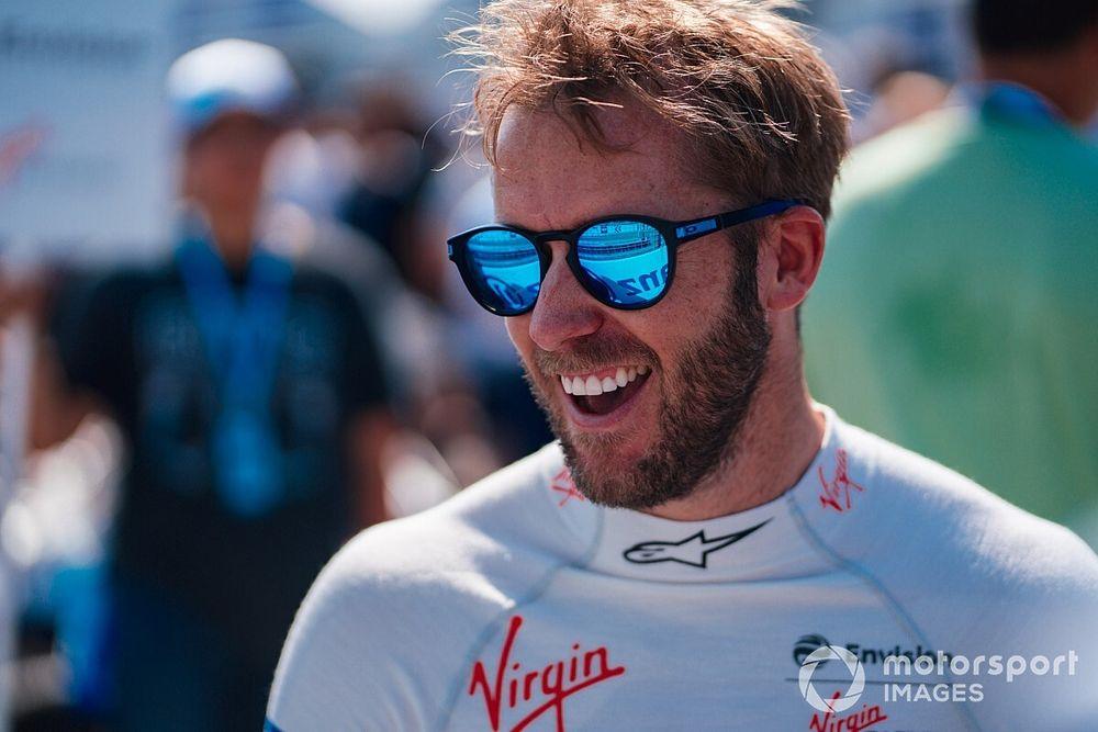 سام بيرد: سباق الدرعية الليلي للفورمولا إي سيُمثّل تحديًّا رائعاً للسائقين