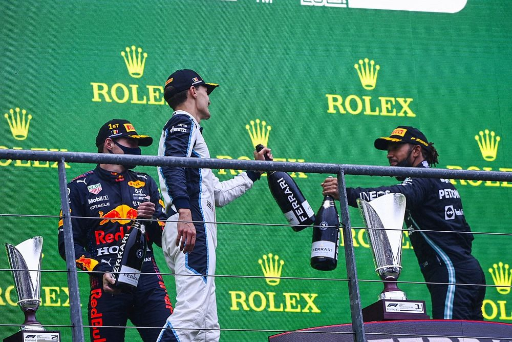 """Russell would make things """"difficult"""" for Hamilton at Mercedes"""