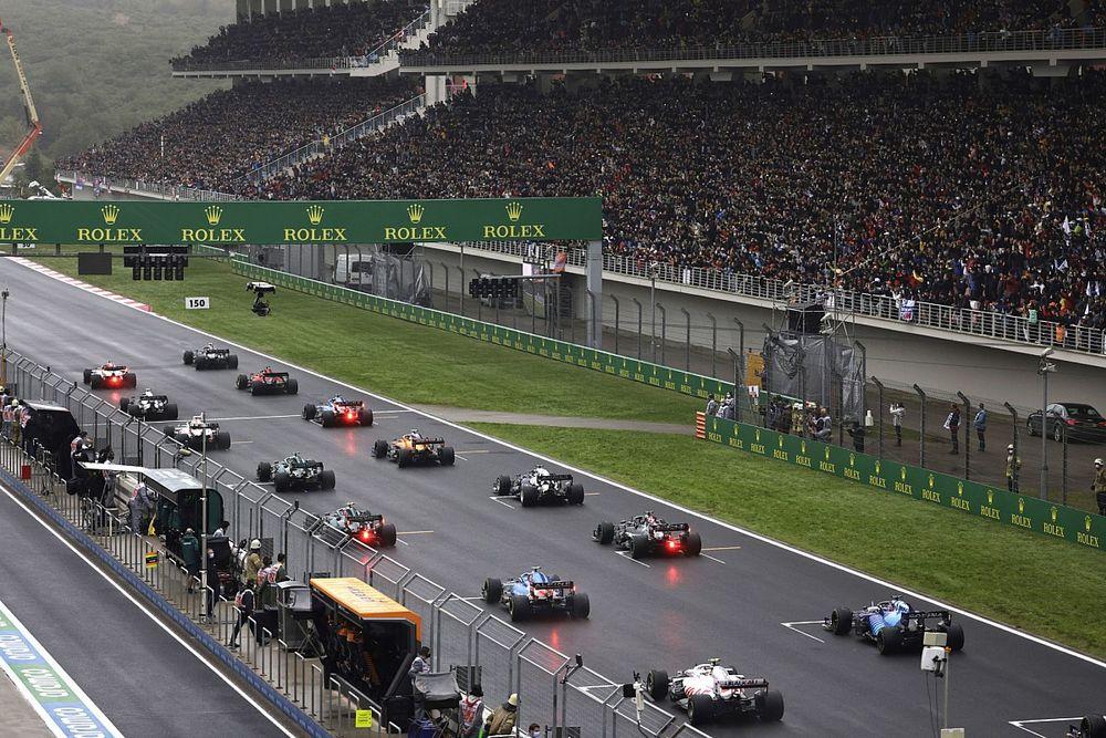 Dyrektor wyścigowy odpiera zarzuty Alonso