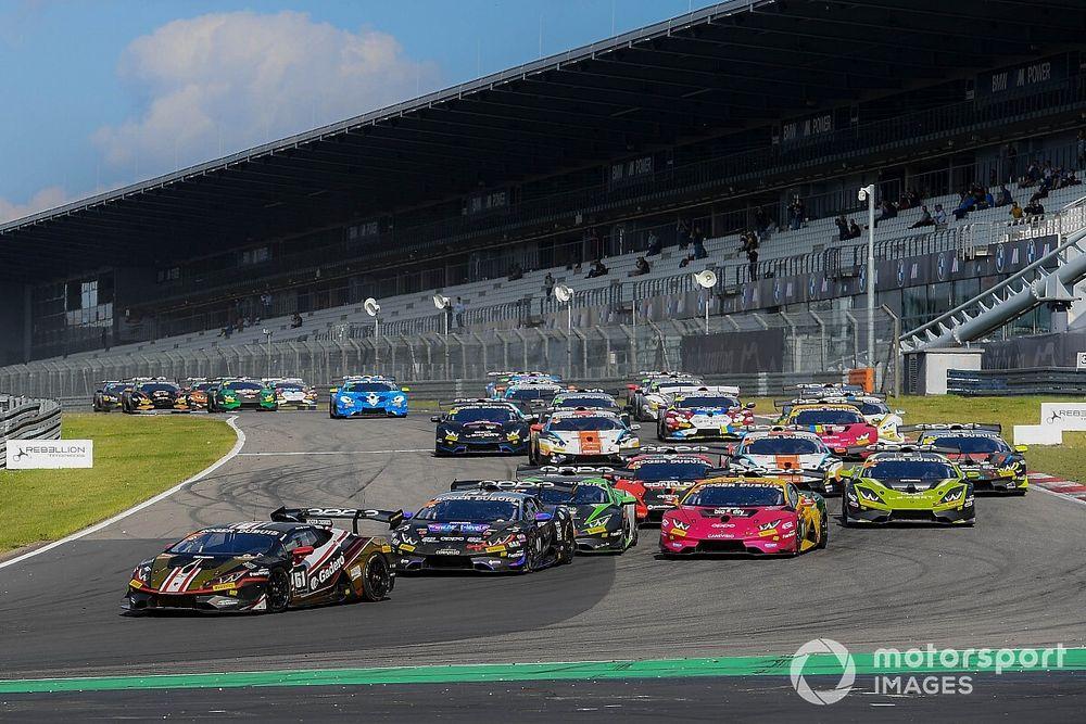 Lamborghini, Nurburgring: in Gara 1 dominio di Spinelli e Weering