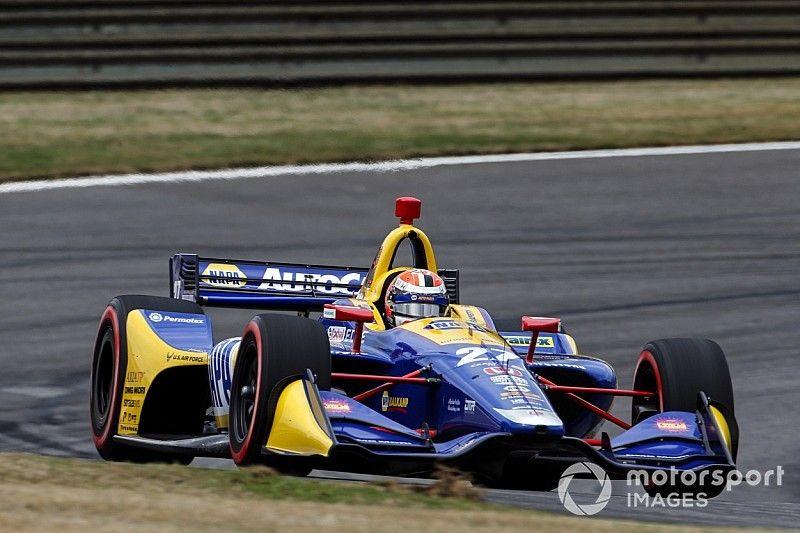 Rossi logra el mejor tiempo en la segunda práctica libre