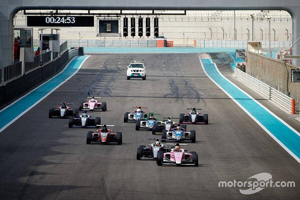 المواهب الواعدة: نجوم المستقبل من بطولتي فورمولا 2 وفورمولا 4 الإمارات