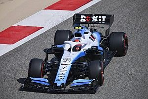 "Kubica feels his car ""completely different"" to Russell's"