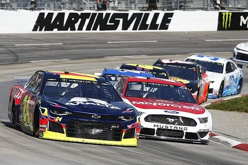 What time and channel is the Martinsville race today?