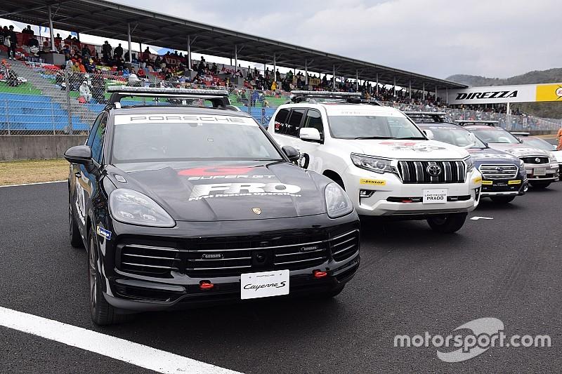 ポルシェ・カイエン、ランクル・プラドがスーパーGTを支えるFRO車両に仲間入り