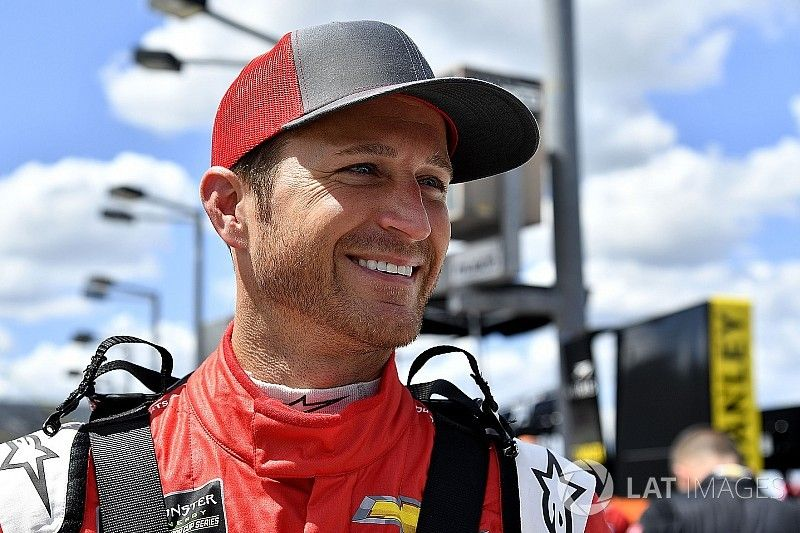 Kasey Kahne to miss Brickyard 400 due to extreme heat exhaustion