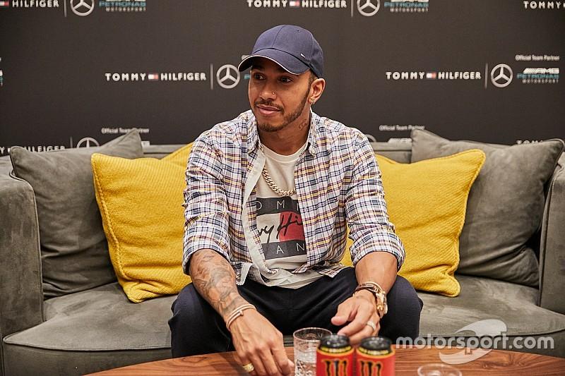 Hamilton: Csak a gazdag gyerekeknek van esélyük a motorsportban lenni