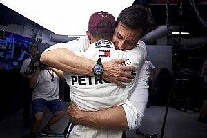 """Wolff: """"Ho detto a Lewis che ha fatto un giro epico, migliore delle simulazioni ideali"""""""