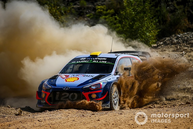 Turkey WRC: Mikkelsen leads, Ogier gets hit by penalty