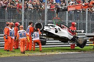 La Sauber allestisce un nuovo telaio per Ericsson dopo l'incidente di ieri