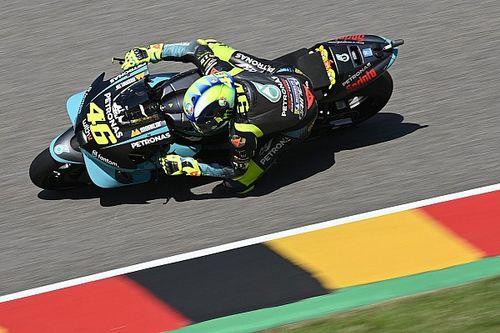 """Rossi: """"Se parti dietro, con la Yamaha è tutto complicato"""""""
