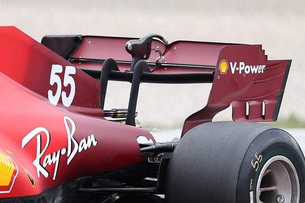 Ferrari: al posteriore c'è l'ala a cucchiaio più scarica