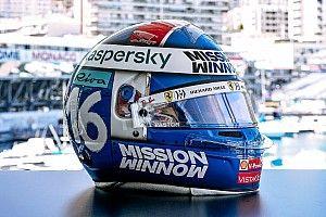 Leclerc onora Chiron con un casco speciale