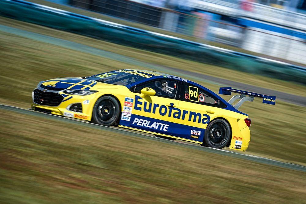 Stock Car: Maurício vence segunda corrida do domingo e faz história em Goiânia