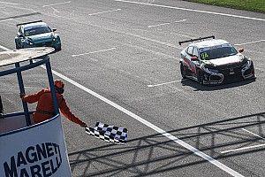 TCR Italy: Giacon vince la volata di una spettacolare Gara 1