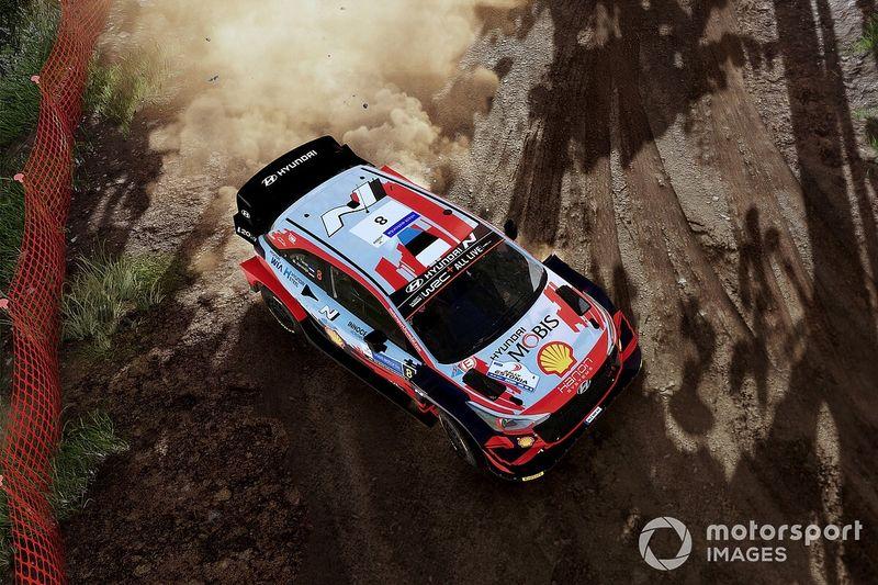 Hyundai, Tanak ve Neuville ile çok yıllık yeni WRC anlaşması imzaladı
