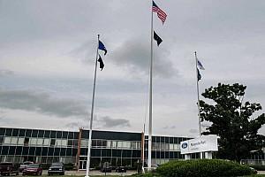 Átáll a Ford egyik amerikai gyára, ötvenezer lélegeztetőgépet gyárthatnak