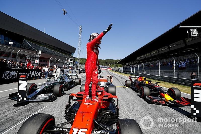 Leclerc vence a Hamilton por la pole en Austria