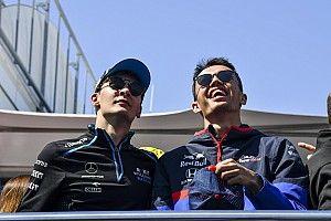 Leclerc szerint Albon és Russell is nagyon magas szintet képvisel