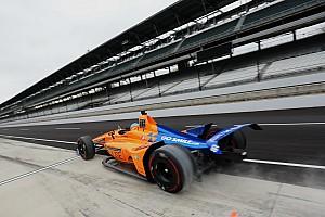 Фото: Алонсо на тестах к Indy 500