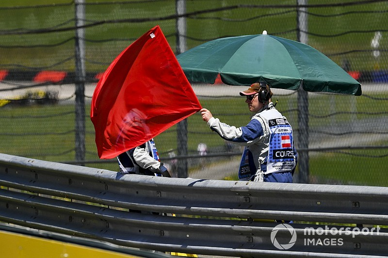 F2, Spa: tremendo incidente all'Eau Rouge, annullata Gara 1
