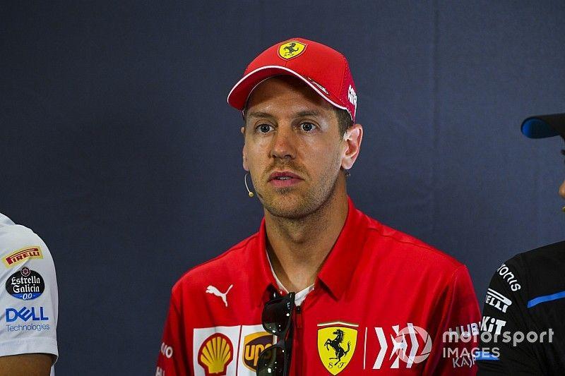 """Vettel diz que """"espírito"""" da Ferrari é """"tão bom ou melhor"""" que o de 2018"""