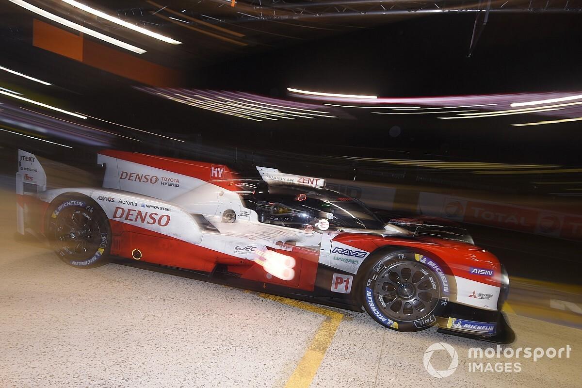 24h Le Mans, 18a Ora: le Toyota sudano freddo