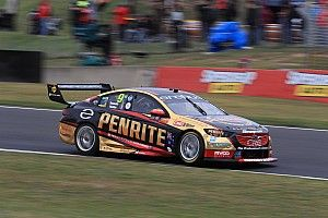 Bathurst 1000: Youlden fastest, Canto crashes out