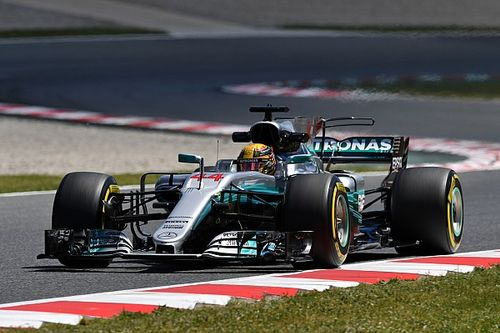 "Mercedes and Ferrari have made ""identical step"" - Hamilton"