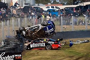 Sandown 500: Massive crash stops first qualifying race