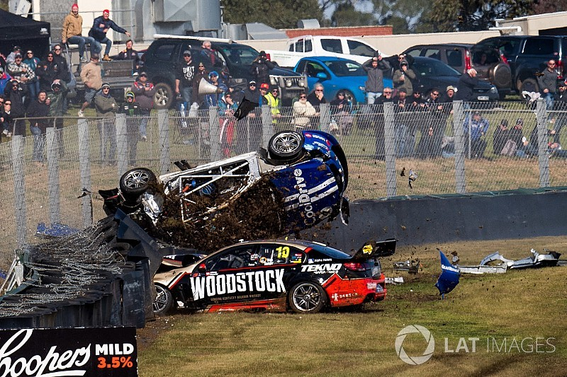 Sandown 500: Massive crash stops first qualifying race
