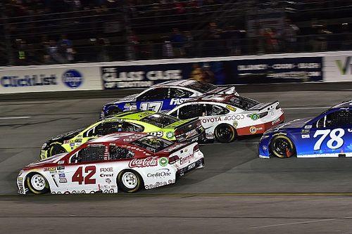 Kyle Larson gana en Richmond con final caótico; Suárez termina en quinto
