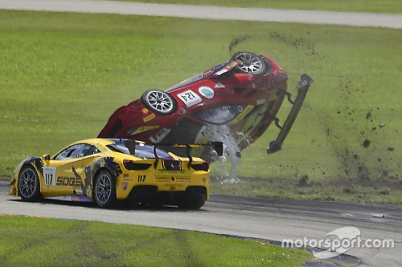 Fotogallery Ferrari Challenge: il terribile incidente di Homestead