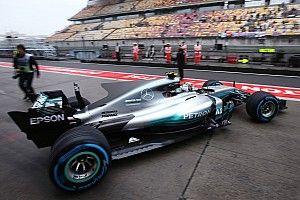 Босс Mercedes сравнил перспективу дождевой гонки с рыбалкой в темноте