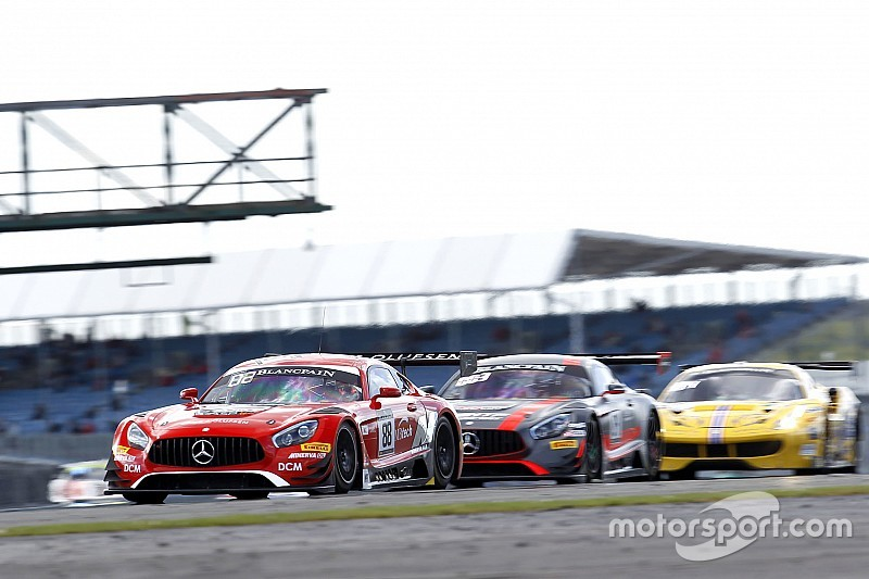 Clampdown leads to 17 penalties in Blancpain Silverstone race