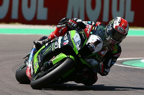 Donington, Libere 1: Kawasaki davanti ma Ducati non è lontana