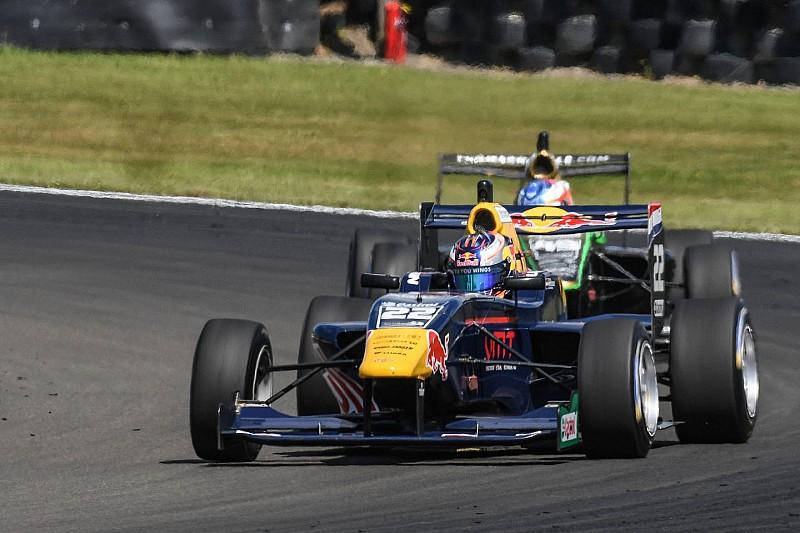 Manfeild TRS: Verschoor wins, Piquet leads ultra-close title fight