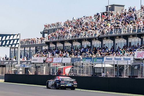 Whelen Euro drivers put on a great show in Valencia