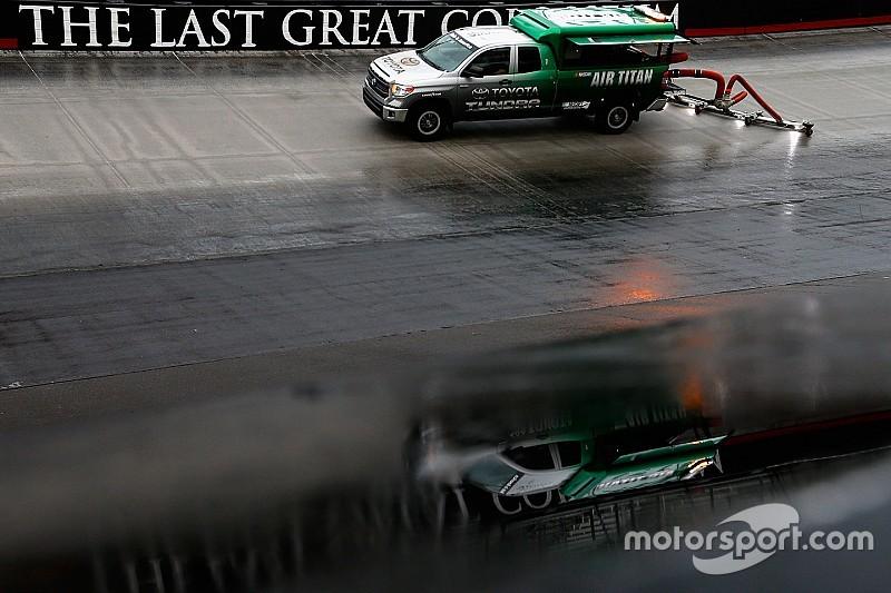 Гонку NASCAR в Бристоле перенесли из-за сильного дождя