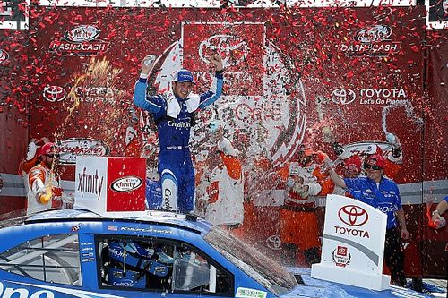 Larson claims Richmond Xfinity win in overtime