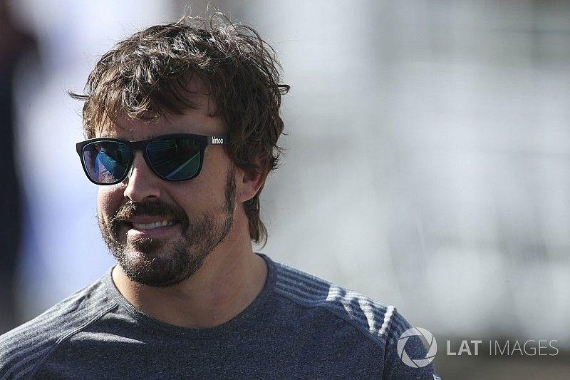 """Alonso: """"Heb verschillende aanbiedingen van andere teams"""""""