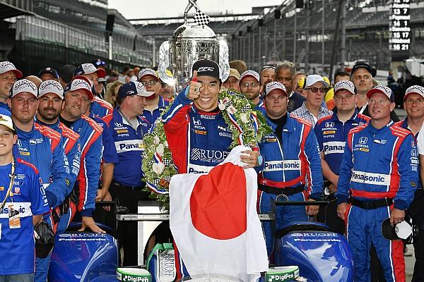 Galería: la celebración del único japonés que ganó en Indy 500