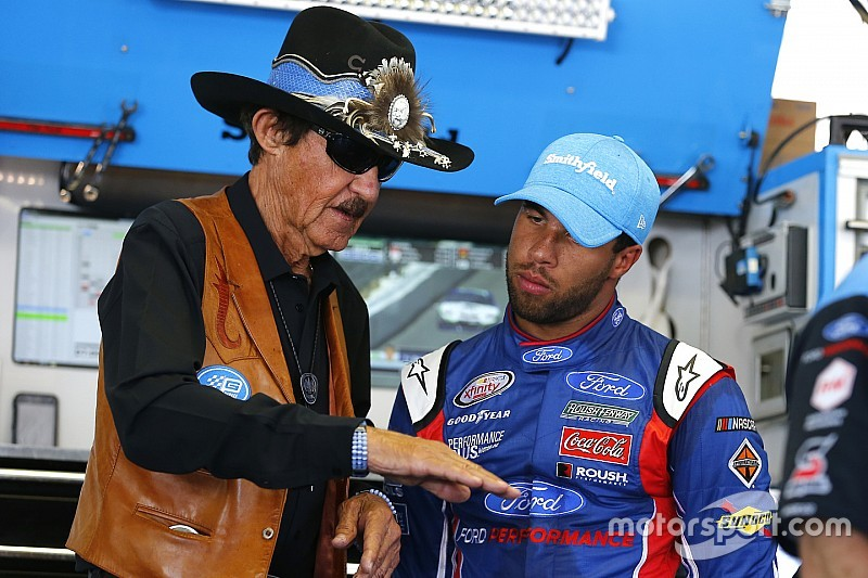 "Almirola: Wallace can't afford to ""screw up"" driving Petty's No. 43"