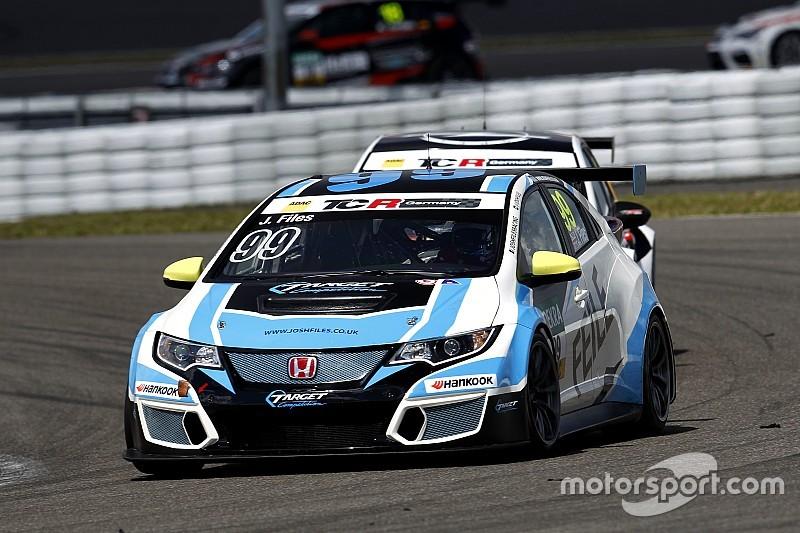 TCR am Nürburgring: Josh Files siegt im Honda beim starken Opel-Debüt