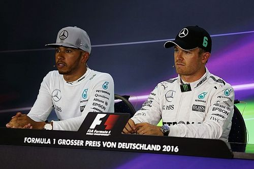 Mercedes: No extra pressure on drivers to avoid first lap contact