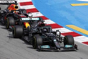 "F1 title battle a ""fight of the giants"", says Wolff"