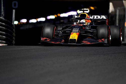 Ферстаппен опередил дуэт Ferrari в субботу утром, Шумахер разбил машину