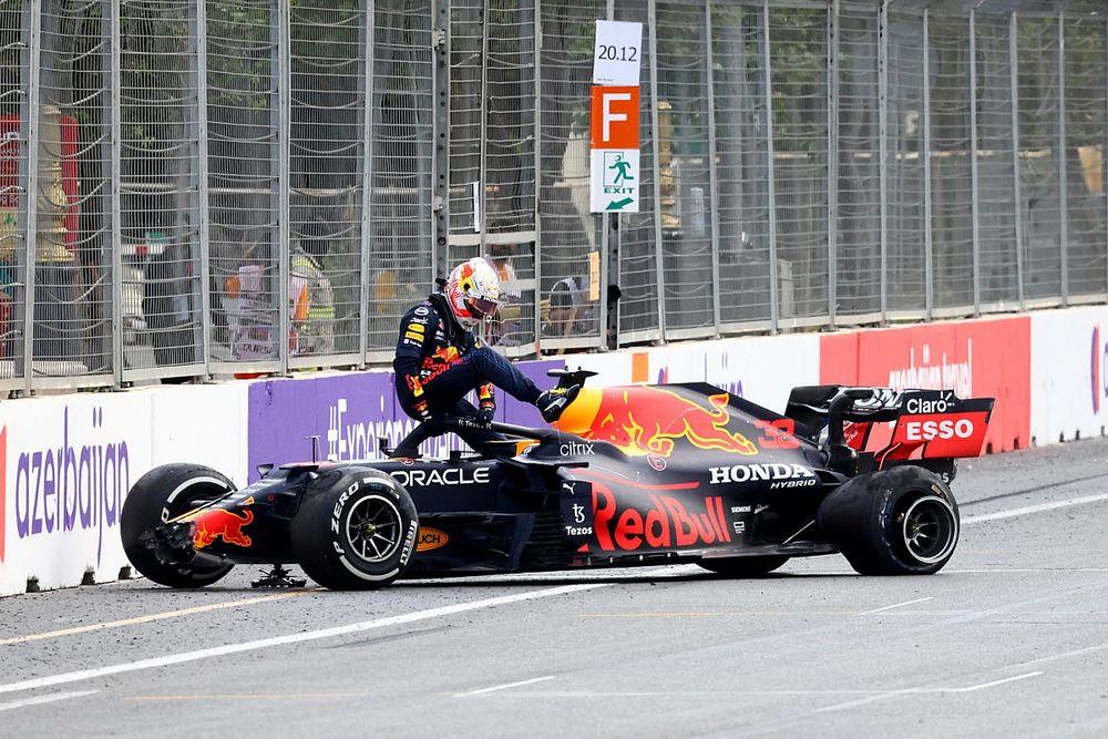 Hamilton: Pecah Ban Bukan Salah Pirelli