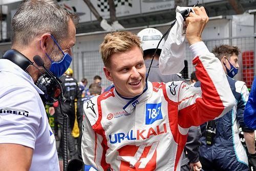 Schumacher Antusias Lakoni Triple-Header Pertama Musim Ini